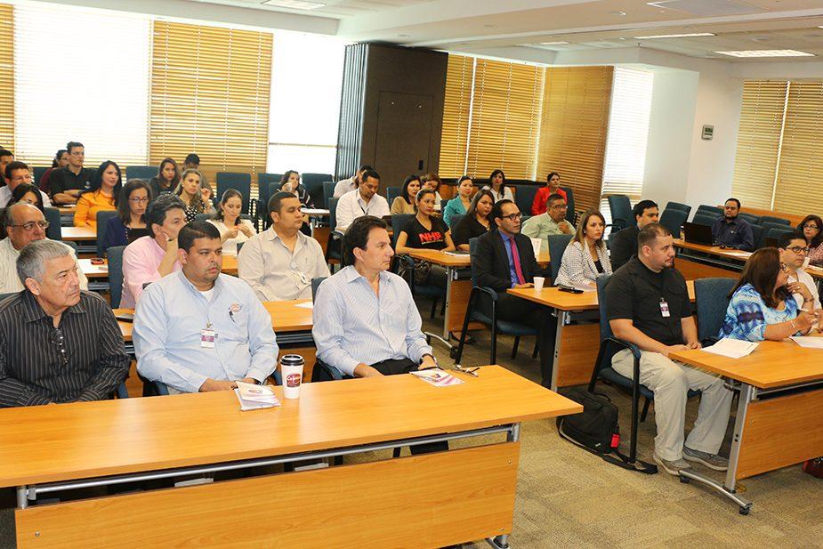 En AHM: Dictan conferencia acerca de las oportunidades del TLC entre Honduras y Canadá