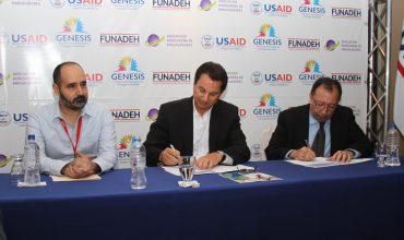 AHM y FUNADEH firman convenio de cooperación para lanzamiento de academia de programadores