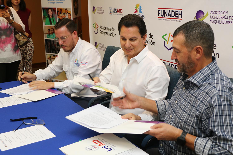 JUVENTUD CONTINUARÁ FORMÁNDOSE EN ACADEMIA DE PROGRAMACIÓN DE LA ASOCIACIÓN HONDUREÑA DE MAQUILADORES EN ALIANZA CON FUNADEH Y USAID