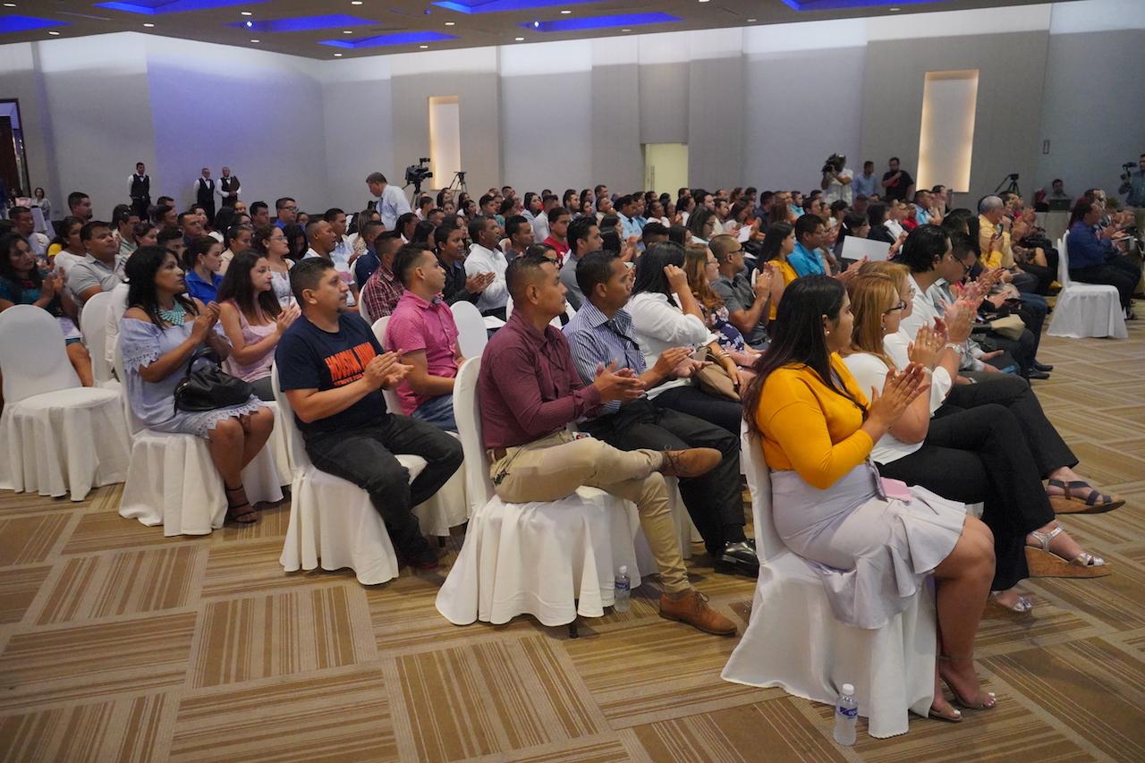 MAQUILADORES ENTREGAN A TRABAJADORES PRIMERAS 80 PRIMAS PARA COMPRA DE VIVIENDA