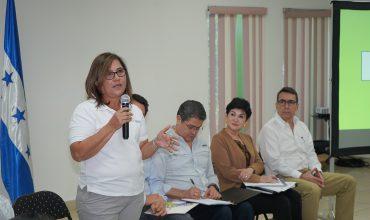 Gobierno realiza conversatorio sobre Ley de Alivio de Deudas con trabajadores de la maquila