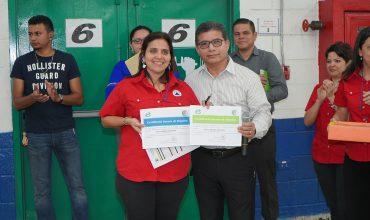 DELTA APPAREL HONDURAS INAUGURA ESCUELA DE HOMBRO Y ESPALDA