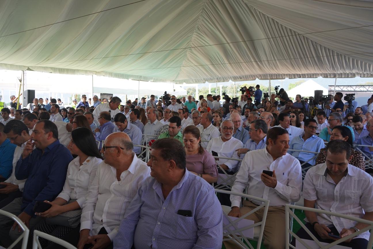 GRUPO KATTAN COLOCA PRIMERA PIEDRA DEL PROYECTO ARENA, LA MÁS GRANDE FÁBRICA DE MANUFACTURA DE ROPA DEPORTIVA DE LA REGIÓN