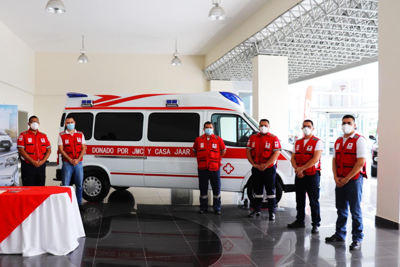 CASA JAAR DONA AMBULANCIA DE ÚLTIMA GENERACIÓN A LA CRUZ ROJA PARA EL COMBATE DE LA PANDEMIA