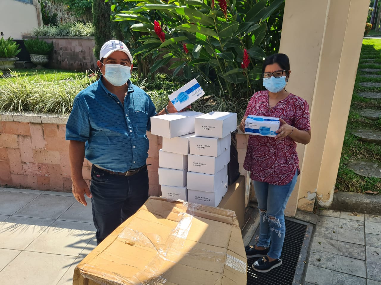 Maquiladores donan insumos de bioseguridad a alcaldía de Macuelizo, Santa Bárbara