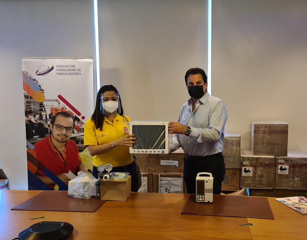 Maquiladores donan más de un millón de lempiras en equipo médico a Fundación del Niño con Cáncer.