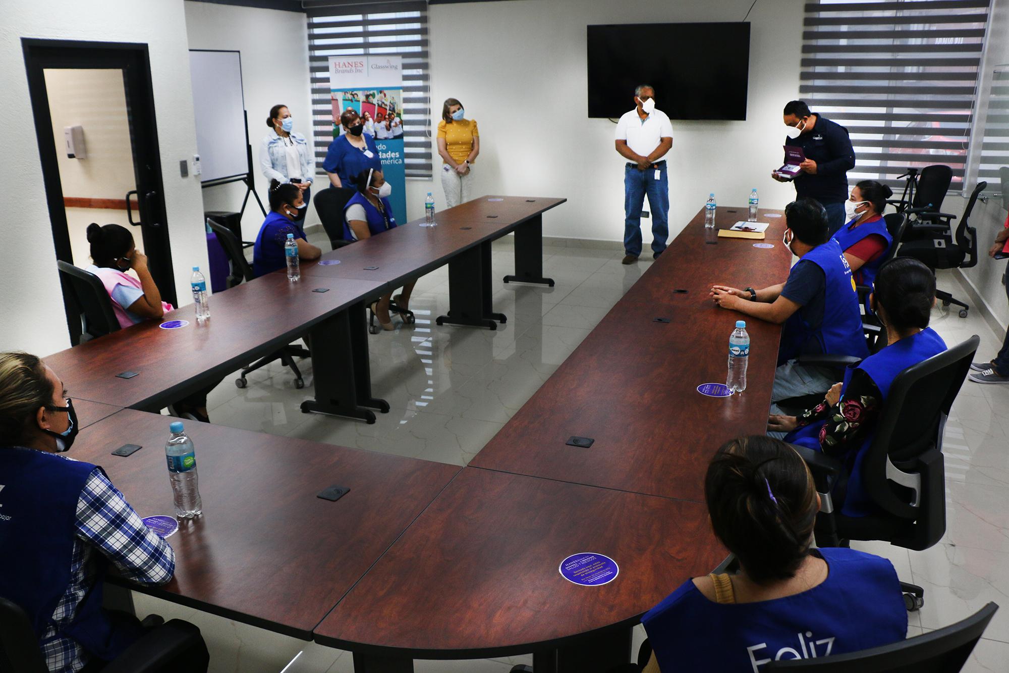 HANESBRANDS ENTREGA AYUDA ECONÓMICA A EMPLEADOS AFECTADOS POR HURACANES