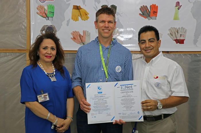 Guantes Sureños se certifica en ISO 9001